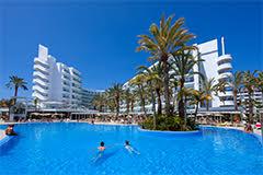 El Club Hotel Riu Papayas reabre en Playa del Inglés, Gran Canaria, completamente renovado