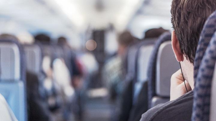 ¿Miedo a volar? Aprender a dormir durante un vuelo
